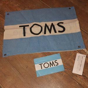 TOMS cinch bag & TOMS sticker
